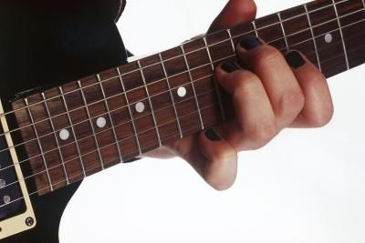 how to build calluses for guitar playing