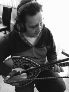 Vaggeli Koulogiannis is a Greek bouzouki and guitar teacher in Toronto